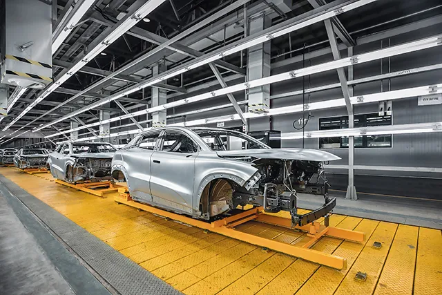 材料価格上昇、自動車企業圧迫拡大